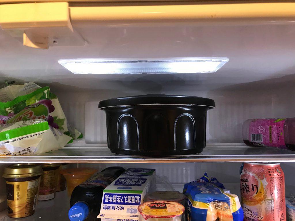 セラミックのおひつを冷蔵庫に