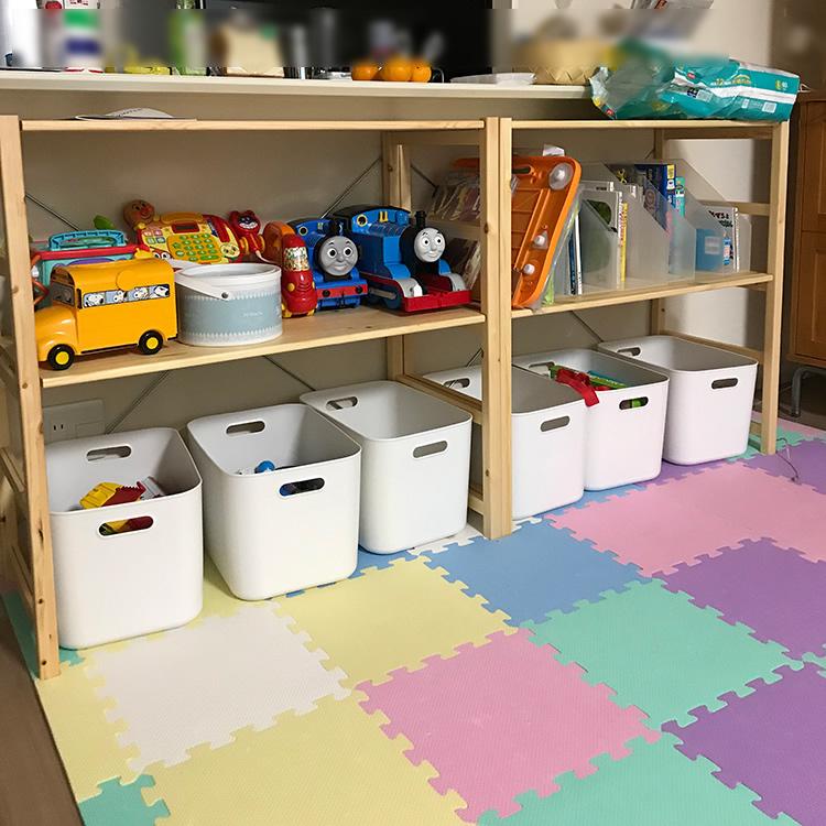 子供のおもちゃ収納棚