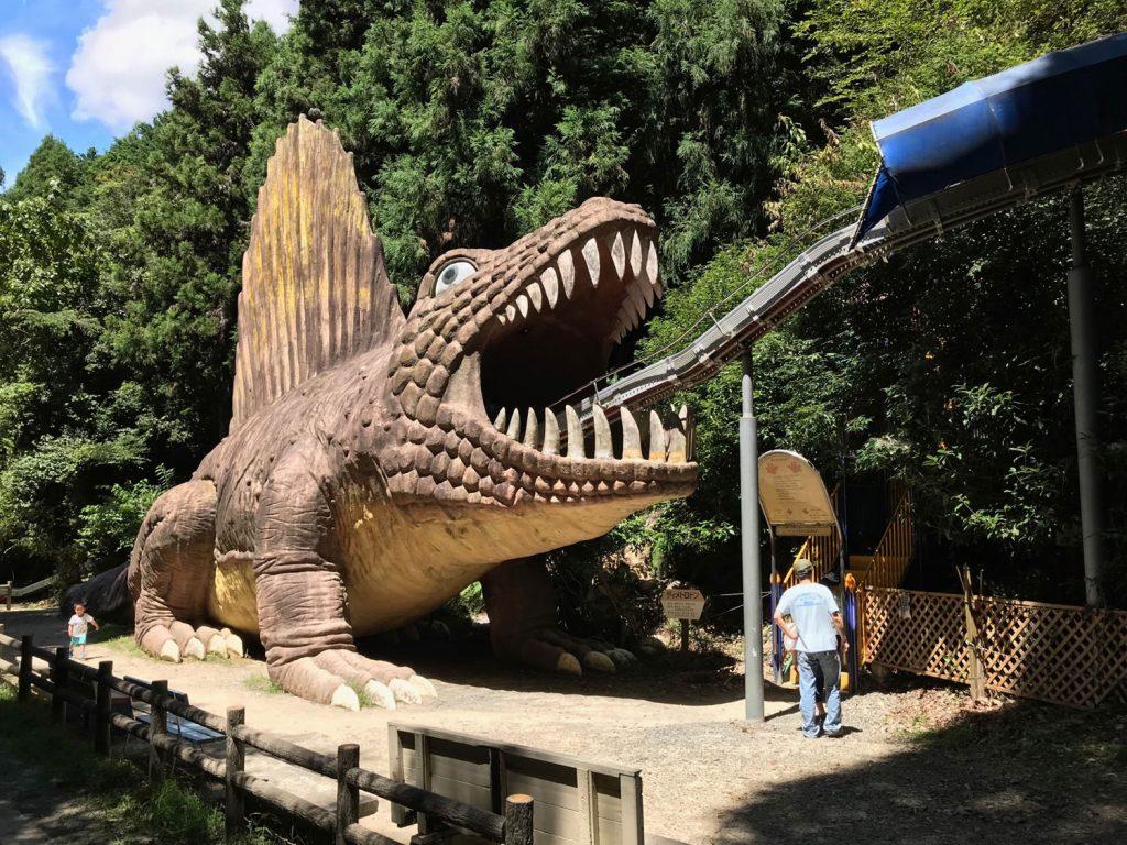 わんぱく王国で恐竜の滑り台と水遊びで3歳の子供満喫!阪南市山中渓